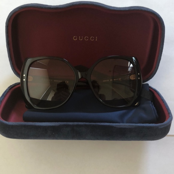 NWOT Authentic Gucci Sunglasses with case&dustbag